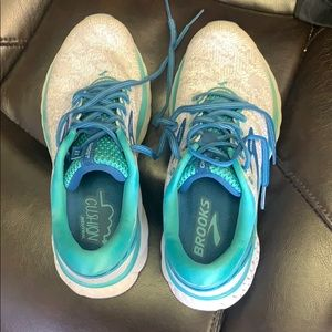 Brooks Ghost 11  running shoes